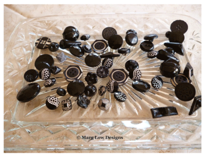 Button-tray