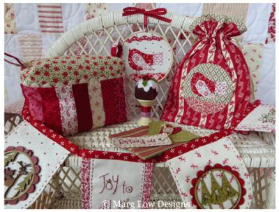 Red-&-White-Christmas-display