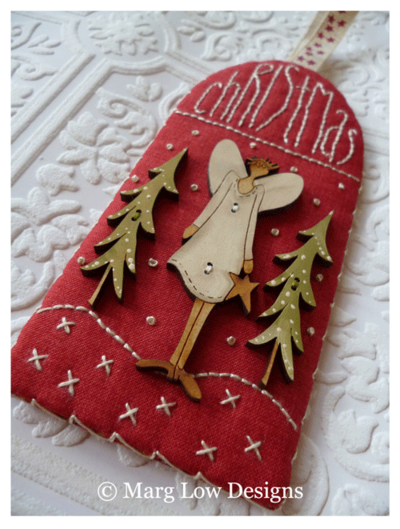 Deer-Tree-with-angel-tree-buttons