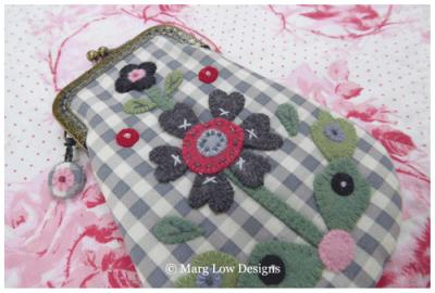 Belinda---Floral-Charms-Purse