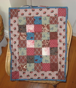 Antique_doll_quilt_1